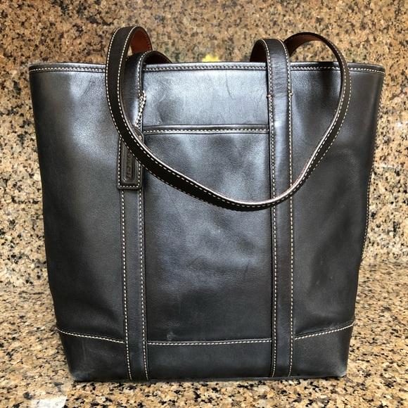 Coach Handbags - Coach Leather Tote (Vintage)